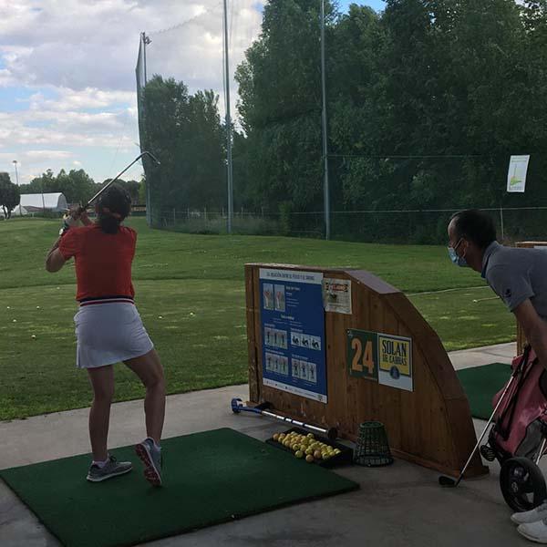 Golf-clase-presencial-fundacion-deporte-y-desafio 2
